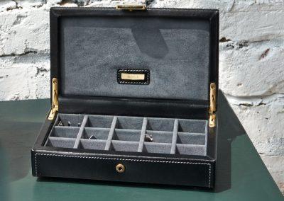 DD22 heritage-black-cufflink-box-70865-LS